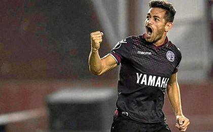 Lautaro Acosta mete en un problema a su club