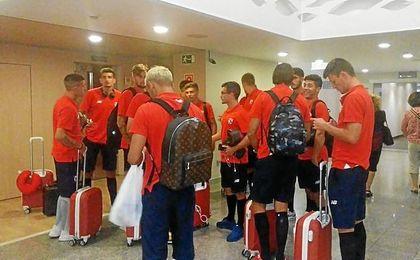 La expedición nervionense, a su llegada a Pamplona.