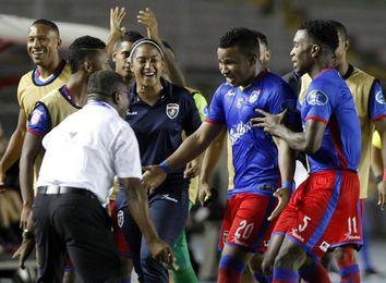 2-1. Plaza Amador vence al Walter Ferreti y avanza a semifinales