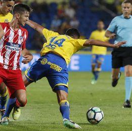 Correa y Carrasco dan ventaja al Atlético al descanso (0-2)