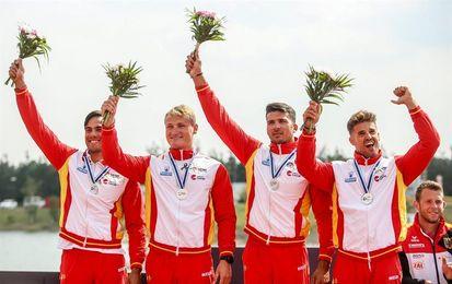 Regresa la selección española con las tres medallas logradas en el Mundial