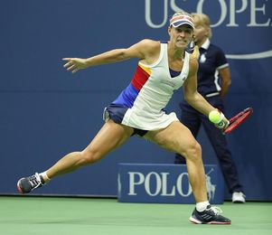 La japonesa Osaka elimina a la campeona Kerber, mientrasd Pliskova y Strycova ganan