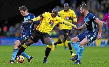 Okaka, en un partido de la Premier entre el Watford y el Middlesbrough.