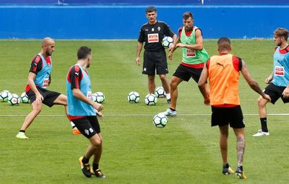 El Eibar cierra su plantilla con David Lombán