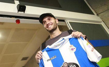 Lucas Pérez inicia en solitario su tercera etapa en el Deportivo