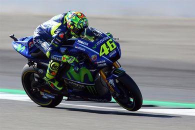 """Rossi, la llorada ausencia de los """"tifosi"""" en la pelea por el título"""