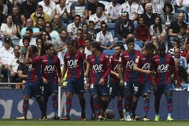 El Levante celebra sus 108 años de historia en el Santiago Bernabéu