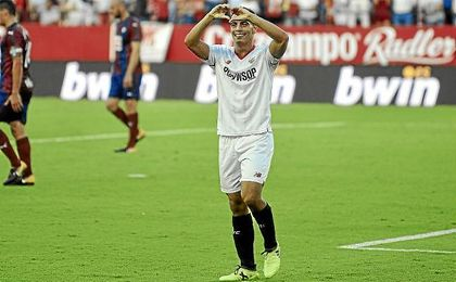 Ben Yedder celebra su gol ante el Eibar.