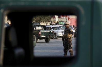 Al menos 4 muertos en un ataque suicida cerca de un estadio de críquet en Kabul