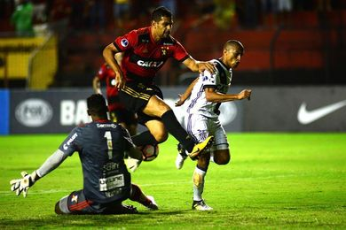 3-1. El Sport perdona una goleada y le da vida al Ponte Preta para la vuelta