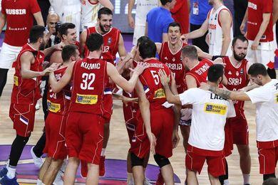 79-87. Bogdanovic decide que Serbia jugará la final