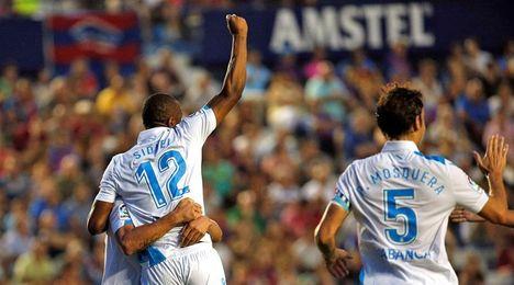 Sidnei y Bruno Gama, descartados por Mel ante el Betis