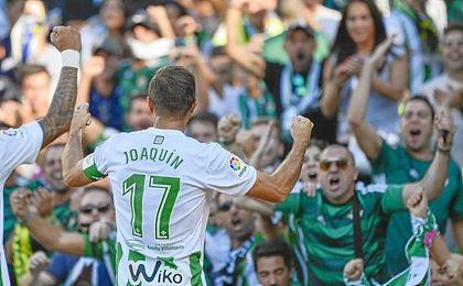 Joaquín cambió la finta y el esprint por los goles.