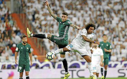 En el 94´, Tonny Sanabria marcó de cabeza el gol de la victoria.