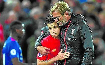 Coutinho ilumina al Liverpool en Leicester