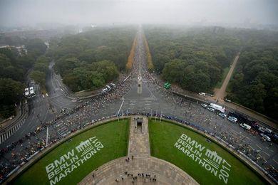 Kipchoge gana el maratón de Berlín en 2h.03:31