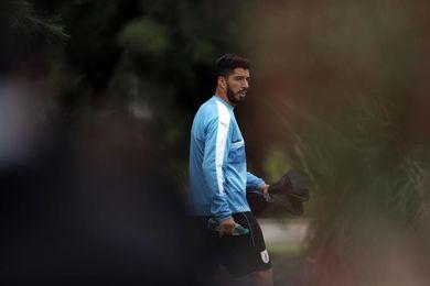 """Luis Suárez pide por un fútbol uruguayo """"en paz y sin violencia"""""""