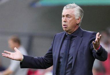 """Hoeness: """"Ancelotti logró poner en su contra a cinco jugadores"""""""