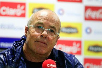 """Ecuador va a buscar el triunfo en Chile """"porque todavía tiene vida"""", dice el técnico Célico"""