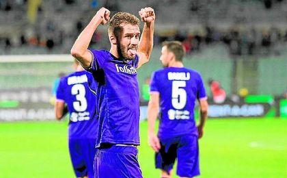 Pezzella es un fijo para Pioli en la Fiorentina.
