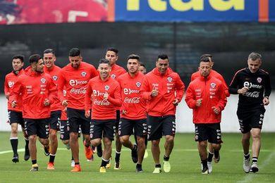 Chile convoca de urgencia a Pavez para el partido contra Brasil