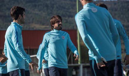 Beñat amplía su contrato con el Athletic hasta 2020