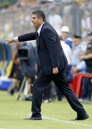 El Táchira despide al entrenador colombiano ´Sachi´ Escobar