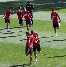El Atlético entrenó al completo antes de recibir al Barcelona