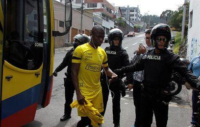 Sancionan a cinco ecuatorianos por indisciplina previo al juego con Argentina
