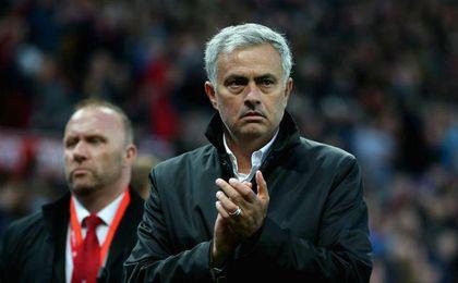 Mourinho se postula para el sillón de Emery
