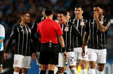 El Corinthians pierde ante el Bahía pero aún mantiene una sólida ventaja