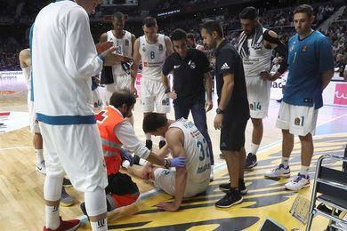 Kuzmic sufre rotura completa de ligamento cruzado, Randolph luxación de hombro