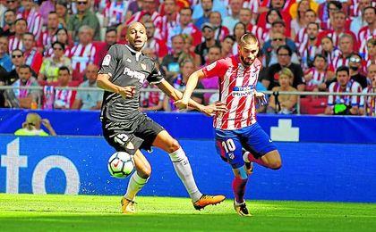 El error de N´Zonzi en el Wanda mostró claramente la falta de reacción del Sevilla de Berizzo, otra vez evidente ante Athletic y Spartak.