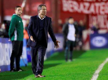 Ultras de Independiente amenazan al entrenador antes del partido con Nacional