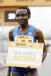 Jepkosgei bate el récord mundial femenino de medio maratón