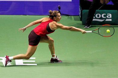 Simona Halep se estrena con un triunfo ante Caroline Garcia, su verdugo en Pekín