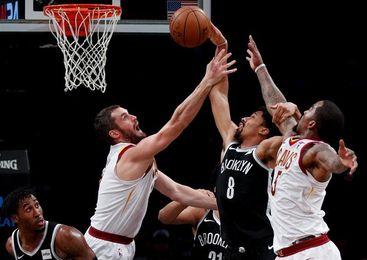 112-107. Dinwiddie y los Nets se sobreponen a un triple-doble de James con los Cavaliers