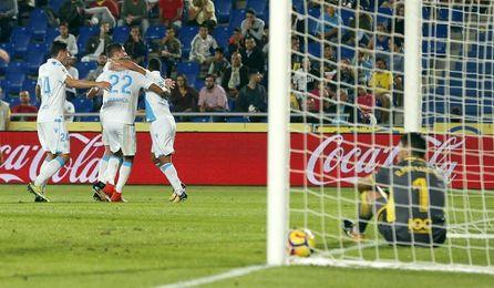 1-3. El Deportivo remonta un gol tempranero y alarga la crisis de Las Palmas