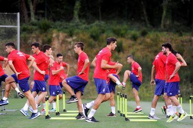 Más de 2.000 aficionados presencian el entrenamiento del Girona
