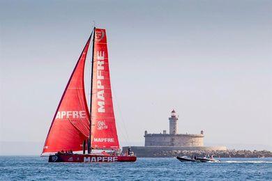 La flota, preparada para disputar mañana la etapa en puerto de Lisboa