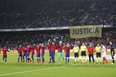 El Camp Nou pide la libertad de los exconsellers de la Generalitat