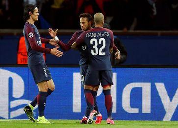 Cavani y Mbappé destrozan al Angers