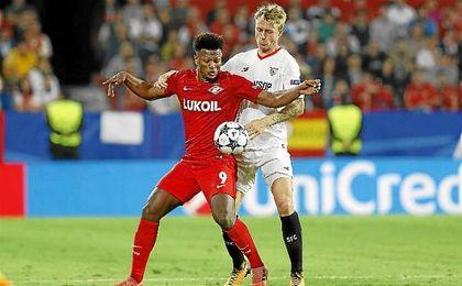 Kjaer, junto a Zé Luís en el partido ante el Spartak.