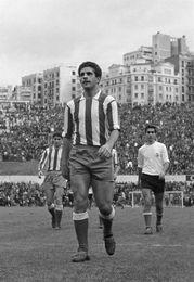 Fallece Rivilla, histórico lateral rojiblanco, campeón de Europa en 1964