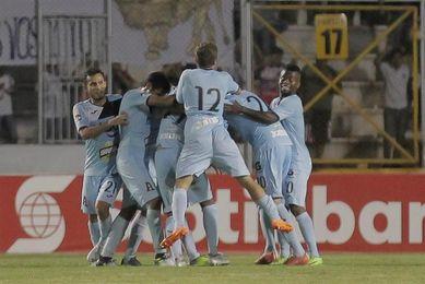 El uruguayo Ferreira y el paraguayo Guerreño dan un triunfo a Alianza en El Salvador