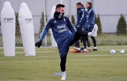 Messi y Argentina completan el primer entrenamiento antes de enfrentarse a Rusia