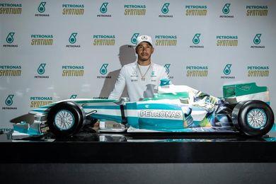 """Hamilton dice que su meta será """"dificultar la vida de Vettel"""" los próximos años"""