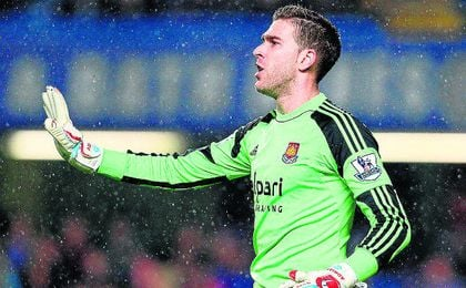 Adrián San Miguel ha perdido protagonismo progresivamente en la portería del West Ham.