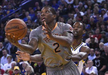 Suns traspasan a Bledsoe a Bucks por Monroe y derechos del sorteo universitario