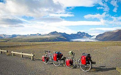 Fotografía de las bicicletas de Merche y Fabrizio durante su etapa en Islandia